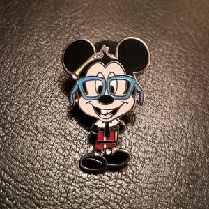 Disney Pin Mickey Mouse Nerd Series